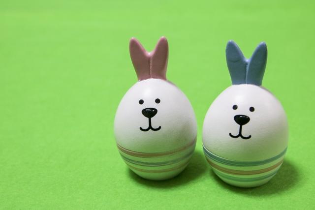 イースターエッグのウサギの写真