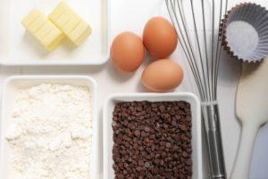 お菓子作りの材料の写真