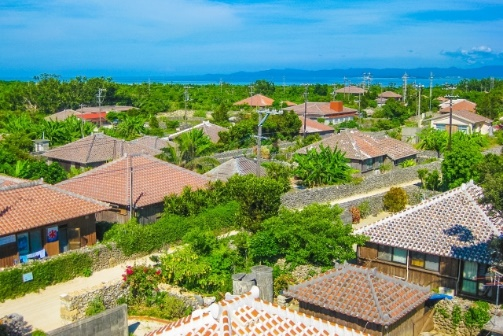 沖縄の民家の写真