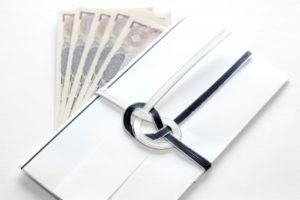 香典とお金の写真