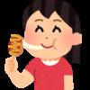 チーズドッグを食べている女の子のイラスト
