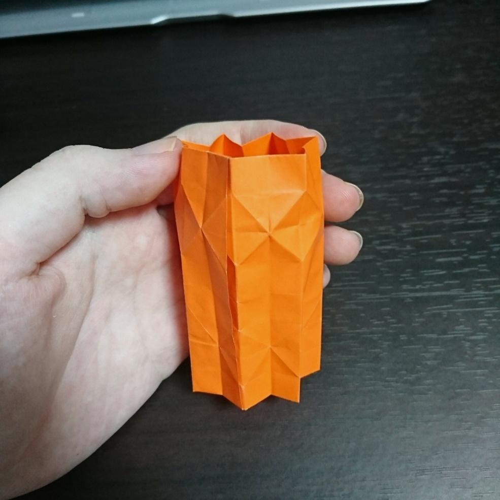 製作途中の折り紙