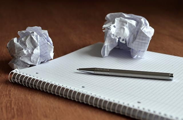 紙ボールとノート