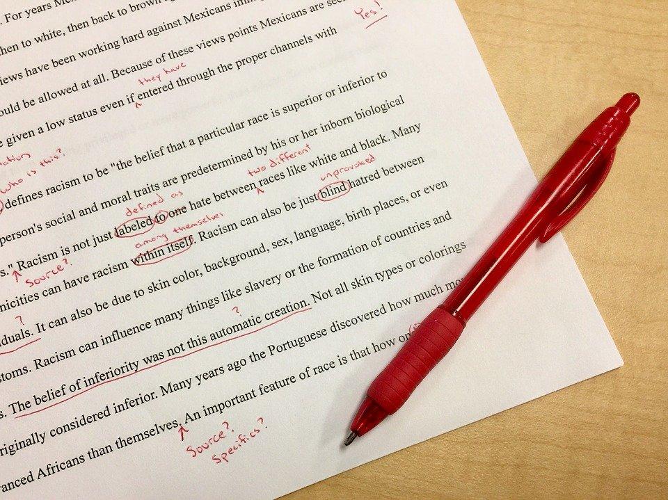英文と赤ペン