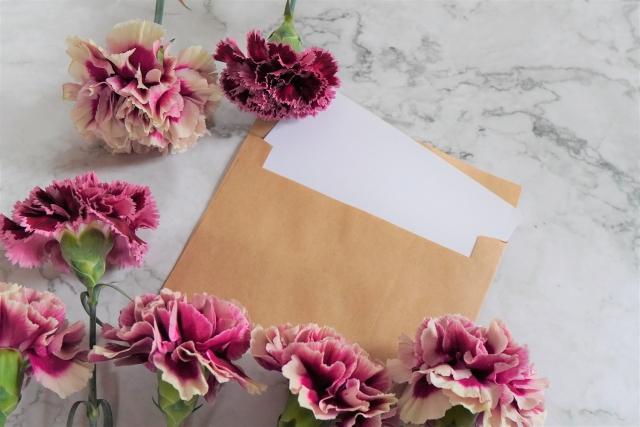 手紙とカーネーション